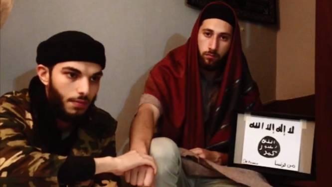 Hand in hand zweren Adel Kermiche en Abdel-Malik Petitjean trouw aan IS
