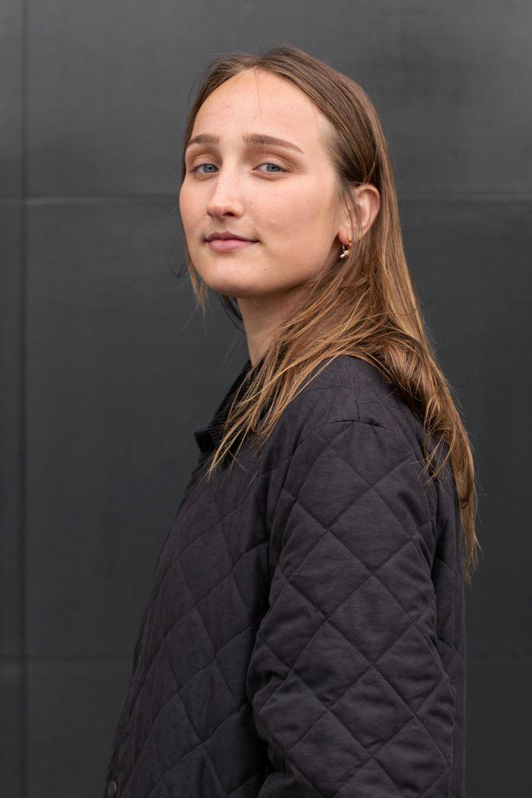 Julia Hoeben: 'Door corona valt er weinig te beleven.' Beeld Susanne Stange