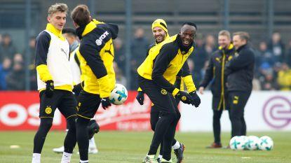 FOTO: Van een lekkere panna tot een rake kopslag: Bolt maakte grote sier bij Dortmund