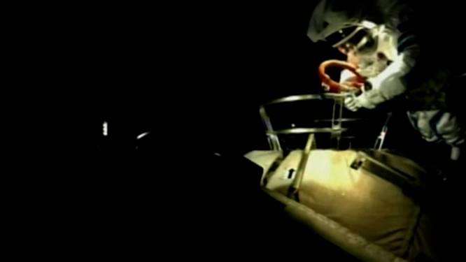 Astronauten Chinees ruimtestation maken eerste ruimtewandeling