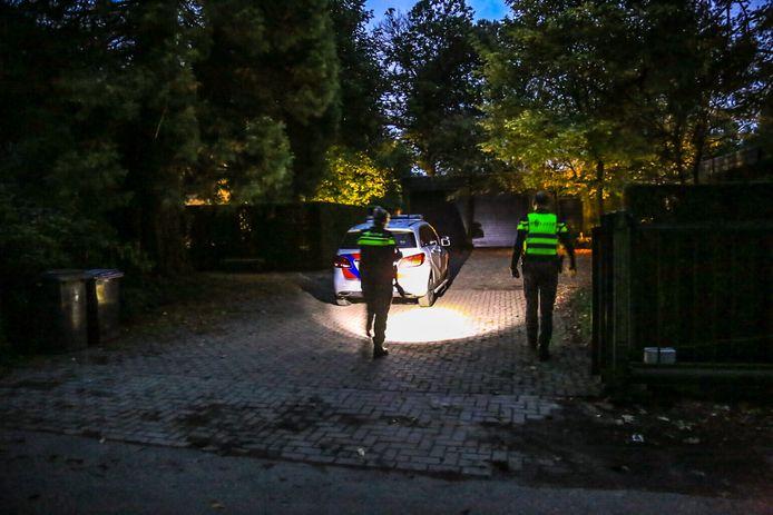 Na een overval leverde snel en goed speurwerk  de politie DNA-sporen op: agenten vonden een verse peuk op de oprit.