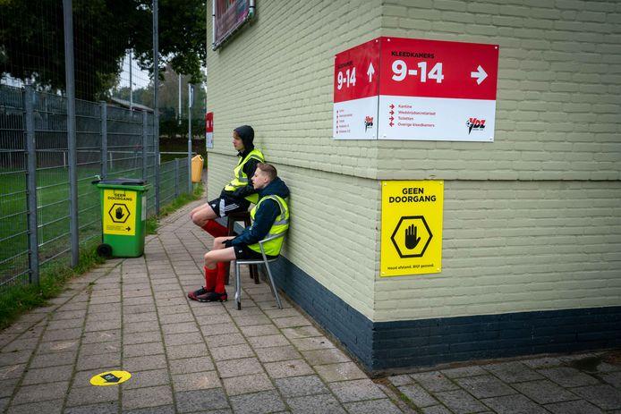 Sportpark 't Cranevelt van VDZ in Arnhem is - nagenoeg - leeg.