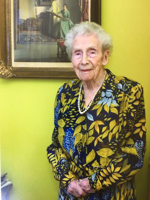 Angèle Ogiers op haar 105de verjaardag, anderhalf  jaar geleden.