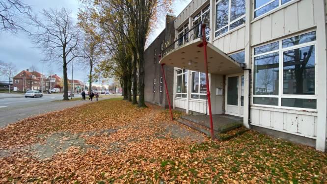 Opnieuw protest tegen nachtopvang in Jan Ligthartschool, 'Leefklimaat wijk staat onder druk'