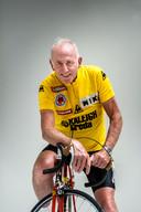 Zoetemelk trok voor dit interview nog één keer zijn gele trui van 1980 aan.
