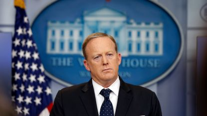 """Ex-woordvoerder Sean Spicer over zijn tijd in het Witte Huis: """"Er waren momenten dat ik het verprutst heb, maar ik heb nooit vlakaf gelogen"""""""