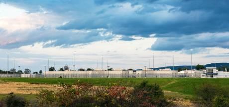 Gevangene:'Visite laat muren rond me zakken'