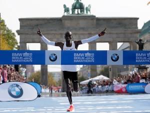 Sensationeel wereldrecord Kipchoge op marathon