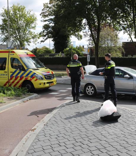 Fietser aangereden op rotonde in Roosendaal