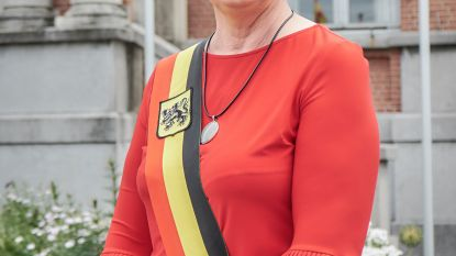 Rita Demaré is (onbezoldigd) mandatenkoningin van Hooglede