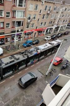 Mysterieuze Rotterdamse trams gaan de wereld over: voorste daken schoon, achterste vies. Steeds weer