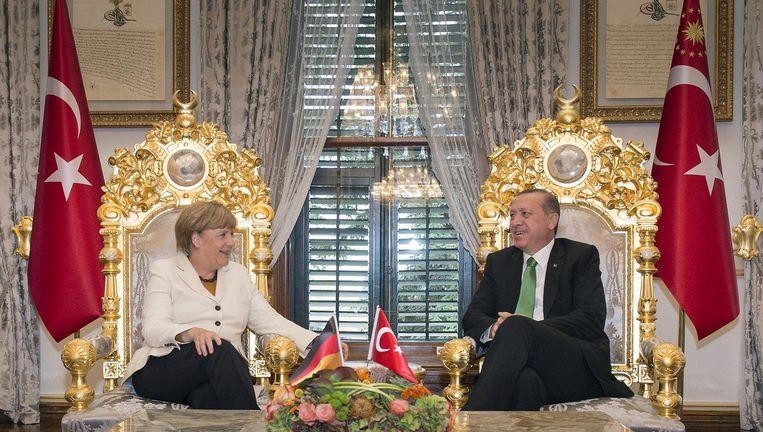 Merkel op staatsbezoek bij Erdogan in 2015. Beeld reuters