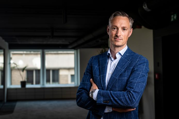 Peter De Keyzer van strategisch communicatiebureau Growth Inc, dat mee het initiatief nam voor de open brief waarmee bedrijfsleiders beloven een week lang les te geven in zomerscholen.