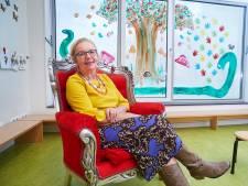 Juf Anita na veertig jaar nog altijd kleurrijk en creatief