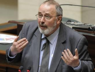 VB-kopstuk Francis Van den Eynde overleden. Hij was één van de meest bevlogen sprekers uit de Gentse gemeenteraad