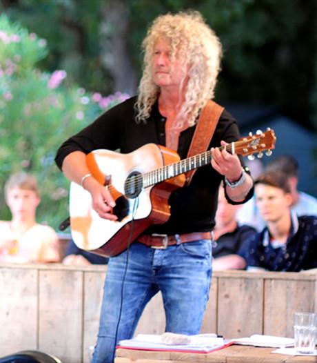 Een thuiswedstrijd voor gitarist Peter van Elswijk