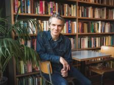 """Qmusic-presentator Wim Oosterlinck lanceert podcast 'Drie boeken': """"Heerlijk als boek mij omver blaast"""""""