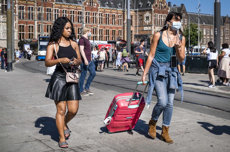 Toeristen bij het Centraal Station.