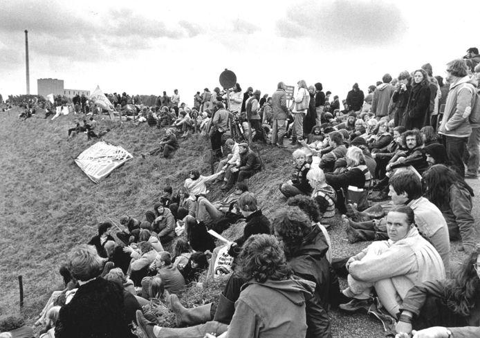 In 1980 zorgden protesten tegen de kerncentrale in Dodewaard er mede voor dat van Nederland de ontwikkeling van kernenergie op een laag pitje zette.