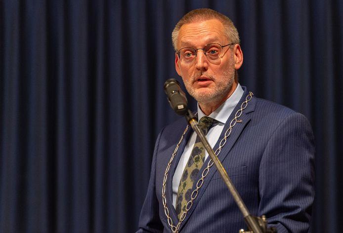 Epe moet meer empathie tonen als mensen bezwaar maken tegen beslissingen van de gemeente, is het advies aan burgemeester Tom Horn.