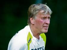 Feyenoord en Sparta met rouwbanden voor Doesburg