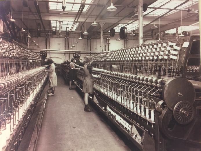 De Hollandia Wol fabriek in 1949.