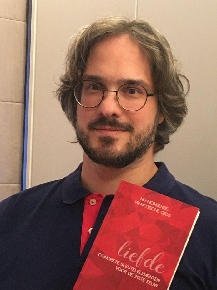 Bert Maes schreef een boek over de liefde.
