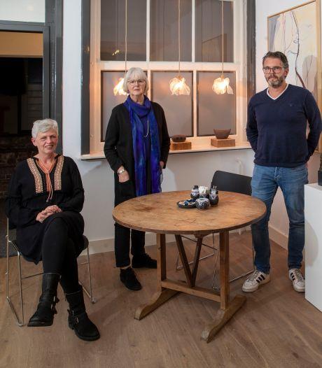 Pop-up galerie in leeg winkelpand: 'Kunst maken én een galerie runnen is best een beetje veel'