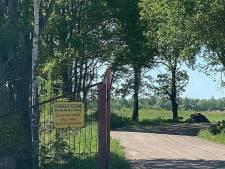 Politie Drenthe waarschuwt recreanten bij zandwinplas in Ubbena: 'Het is hier levensgevaarlijk'
