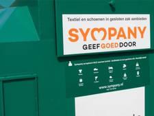 Vrouw uit Almelo gooit per ongeluk 5.000 euro in kledingcontainer
