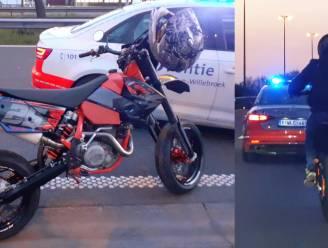 Politie onderschept motorrijder die politiecontrole ontvlucht aan hoge snelheid