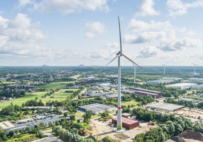 De nieuwe windturbine van Limburg Win(d)t ondergaat momenteel nog elektrische werken, maar zal binnenkort starten met de productie van groene stroom.