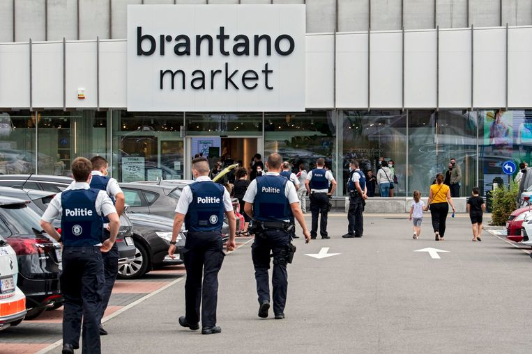 Archiefbeeld van de uitverkoop bij Brantano. Modegroep FNG, moederbedrijf van onder meer Brantano, werd in 2020 failliet verklaard. Beeld Photo News