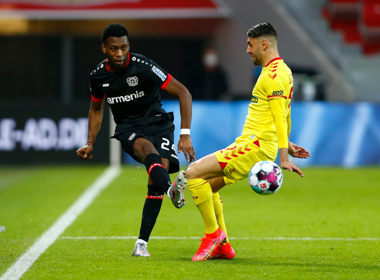 Timothy Fosu-Mensah speelde sinds zijn overgang van Manchester United zeven wedstrijden voor Bayer Leverkusen.