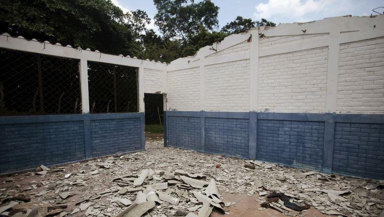 Een verlaten school in de door bendes bedreigd gebied in El Salvador Beeld REUTERS