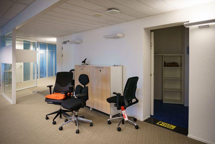 Veel kantoren in Den Haag staan leeg, omdat steeds meer mensen vanuit huis werken.