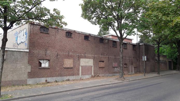 De oude kartonnagefabriek aan de kant van de Baerdijk in Oisterwijk.