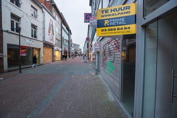 De gemeente Oudsbergen werkt aan een eengemaakt reglement om leegstand, zoals hier op archiefbeeld in Hasselt,  tegen te gaan.