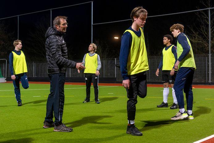 HCM hervat de training, begin maart na de versoepeling van de coronamaatregelen (trainen mag weer voor spelers onder de 27 jaar).