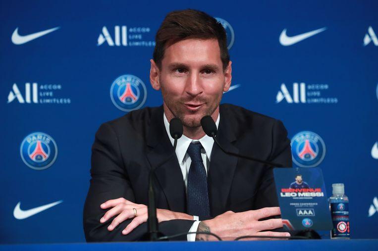 Lionel Messi tijdens zijn presentatie.  Beeld EPA