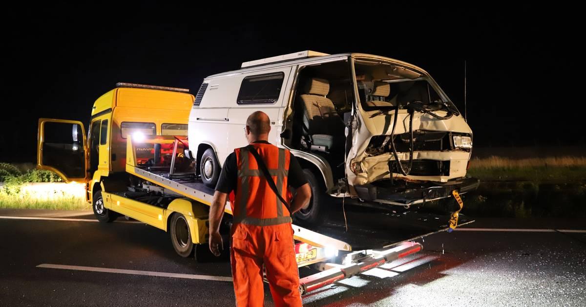 Veel schade en meerdere gewonden bij groot ongeluk op A15.