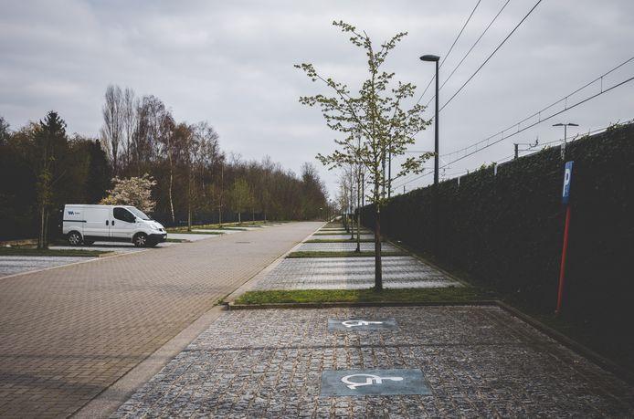 Weinig redenen om te parkeren aan het station van Drongen blijkbaar.