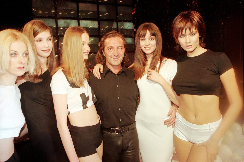 Gérald Marie tijdens de Paris Fashion Week in 1996 Beeld Corbis Via Getty Images