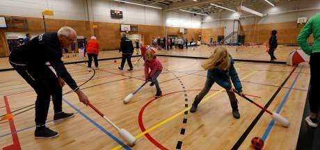 Hypermoderne sporthal opent in Vlaardingen: 'Kans op blessures hier kleiner'