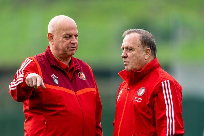 Teammanger Bas van Noortwijk (l), hier met Dick Advocaat, stopt na dit seizoen bij Feyenoord.
