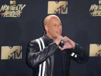 Vin Diesel begeleidt dochter overleden Paul Walker naar altaar