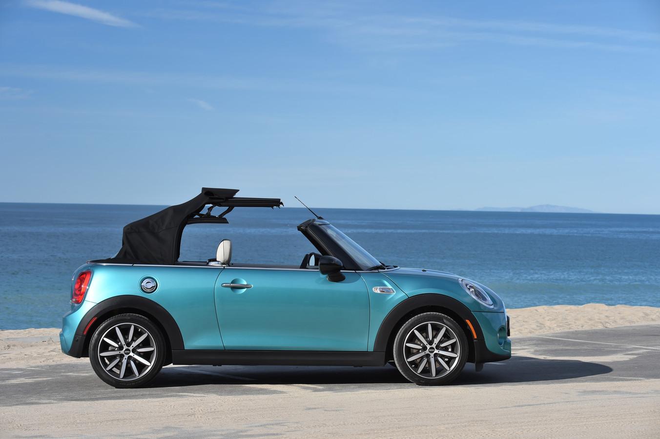 De Mini - hier als cabrio - is één van voordeligste open auto's die je tegenwoordig nieuw kunt kopen. De prijs van gebruikte exemplaren is bovengemiddeld stabiel.