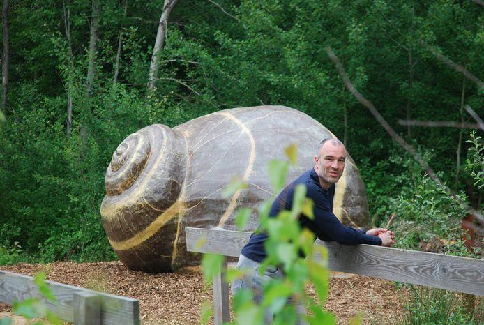 Tommy Browaeys aan de stiltecocon in het Prinsenpark