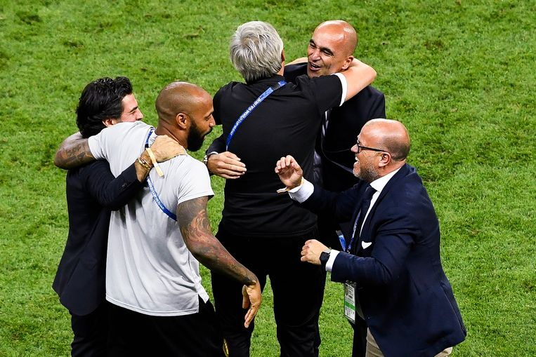 Bart Verhaeghe, hier bij Thierry Henry en Roberto Martínez op het WK in Rusland, stond dicht bij de nationale ploeg. Maar de voorbije maanden nam hij al meer afstand.  Beeld BELGA