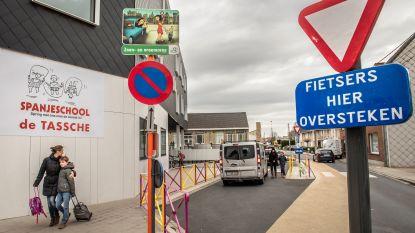 Ouderraad wil meer politietoezicht op kiss & ride-zone aan Spanjeschool